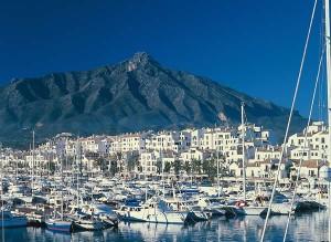 Marbella, a escasos 30 minutos de nuestro pequeño hotel boutique del pintor